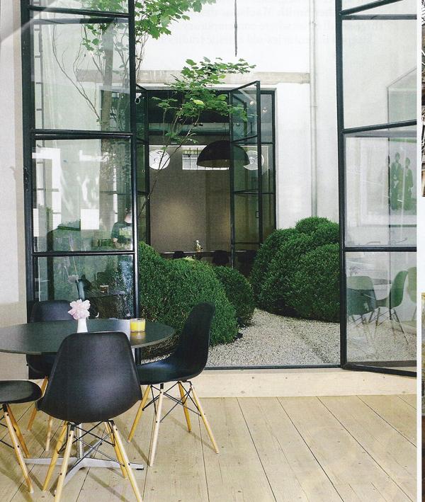 Interior-Courtyard-Garden-Ideas-21-1-Kindesign.jpg